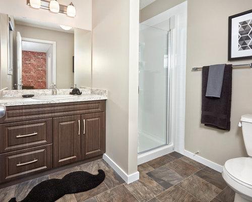 industrial badezimmer mit profilierten schrankfronten ideen beispiele f r die badgestaltung. Black Bedroom Furniture Sets. Home Design Ideas
