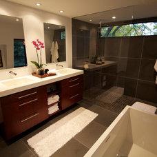 Modern Bathroom by Belyea Bros. Ltd