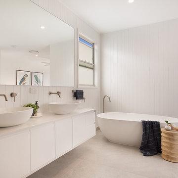 Open Master Bathroom - Luxury Australian Beach home Haven On Seashell
