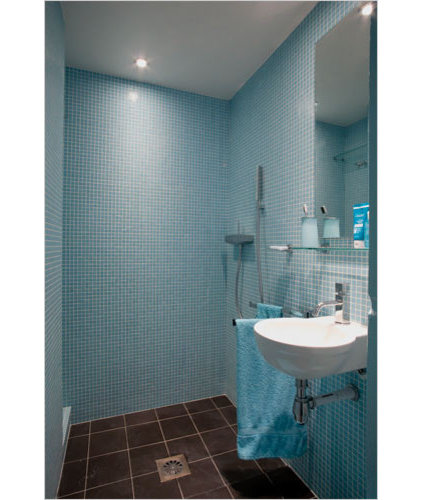 Modern Bathroom Open Space in Paris - The New York Times > Great Homes and Destinations > Slide