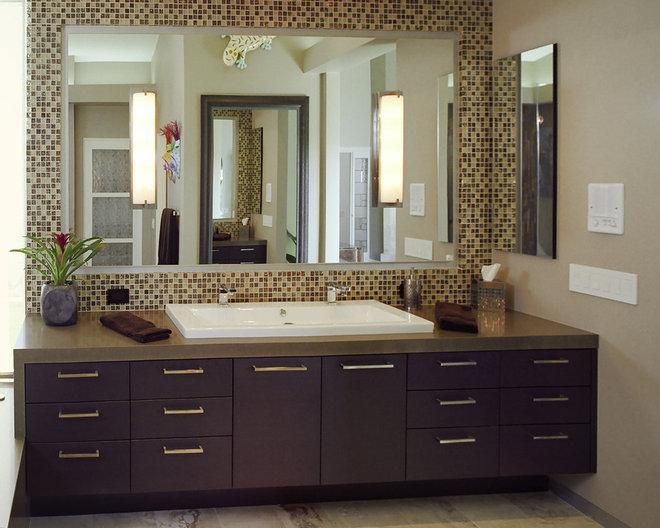 Contemporary Bathroom by Zieba Builders, Inc.