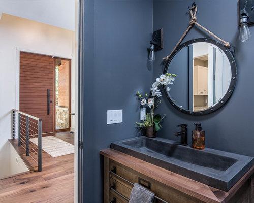 Bagno Beige E Marrone : Bagno con ante marroni e pareti blu foto idee arredamento