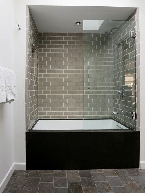 Industrial kids bathroom design ideas renovations photos for Bath remodel gurnee