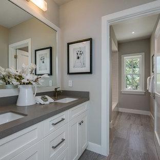 Top 20 Mid Sized Farmhouse Bath Ideas Houzz