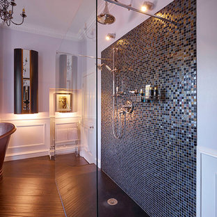 This is an example of a traditional bathroom in Glasgow.