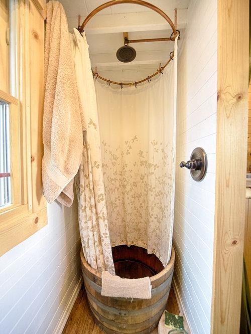 salle de bain montagne avec une douche ouverte photos et id es d co de salles de bain. Black Bedroom Furniture Sets. Home Design Ideas
