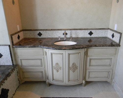 Salle de bain victorienne avec un carrelage en p te de - Carrelage pate de verre salle de bain ...