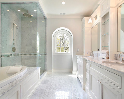 Large Transitional Master Porcelain Floor Bathroom Photo In Toronto With  Gray Walls, An Undermount Sink