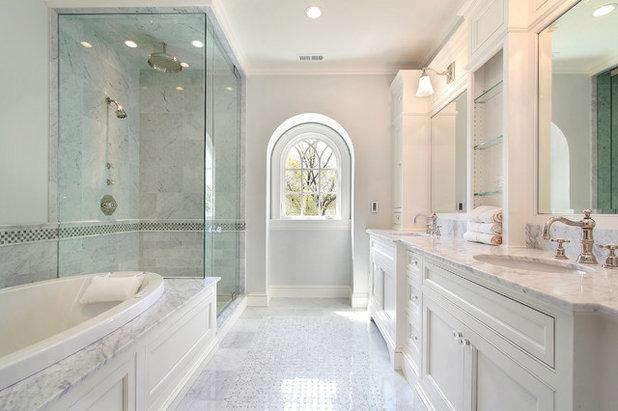 Klassisch modern Badezimmer by Showers & More