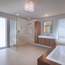 Midcentury Bathroom by Anders Lasater Architects