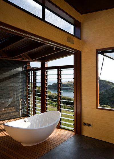 Contemporary Bathroom by Strachan Group Architects