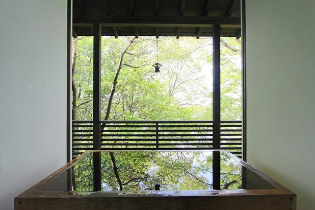 アジアン 浴室 by Yoshi Architects