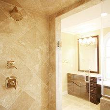 Bathroom by Echelon Custom Homes