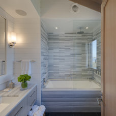 Beach Style Bathroom by Overmyer Architects