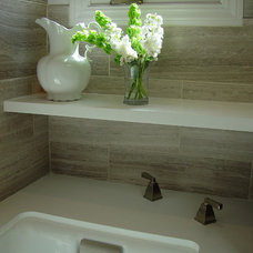 Modern Bathroom by Mike Connell