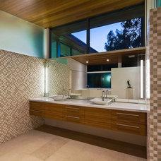 Modern Bathroom by Dana Berkus Interiors