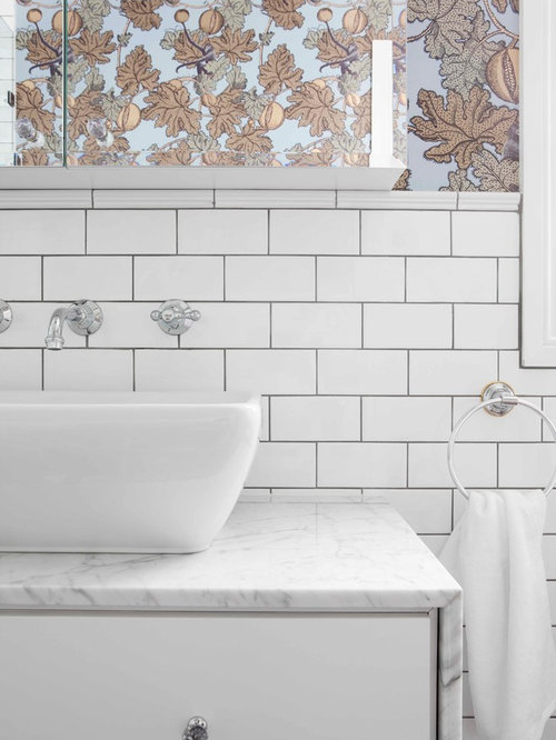 Charmant Inspiration For A Mid Sized Transitional White Tile And Subway Tile Bathroom  Remodel In Sydney