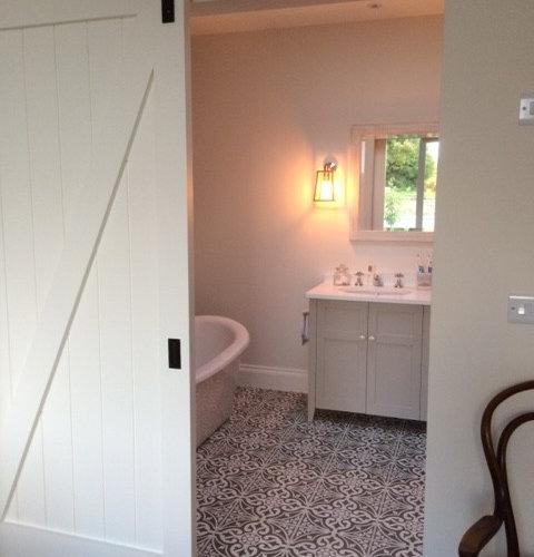Dublin bathroom design ideas remodels photos with for Bathroom ideas dublin