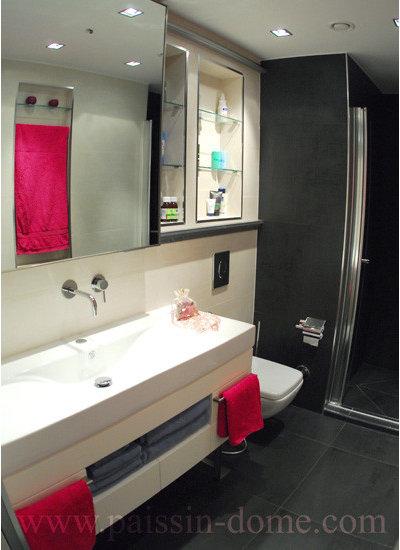 Unique Modern Bathroom by Paissin