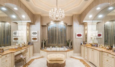 10 Design Musts for a Glam Bathroom