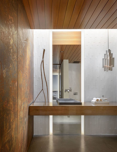 Contemporary Bathroom by carré designs