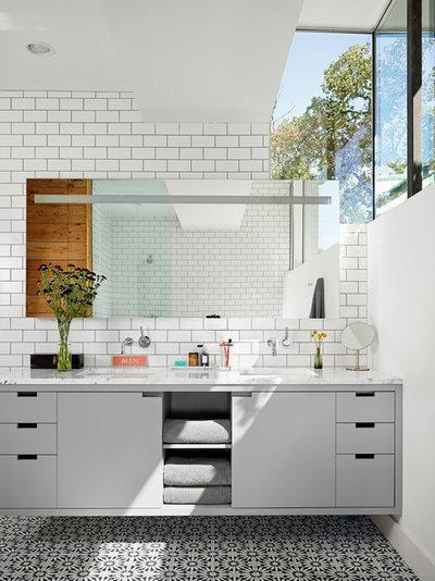 コンテンポラリー 浴室 by Hugh Jefferson Randolph Architects