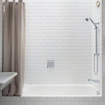 Palo Alto Guest Cottage Tub/Shower