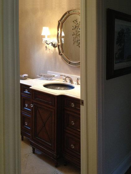 Traditional Bathroom by Elisa Paramo Interiors