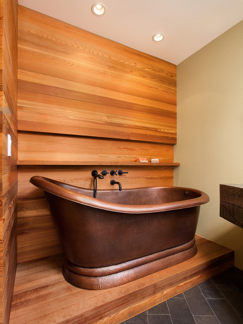 salle de bain avec un lavabo int gr et un mur orange photos et id es d co de salles de bain. Black Bedroom Furniture Sets. Home Design Ideas