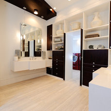 Modern Bathroom by Triton Austin