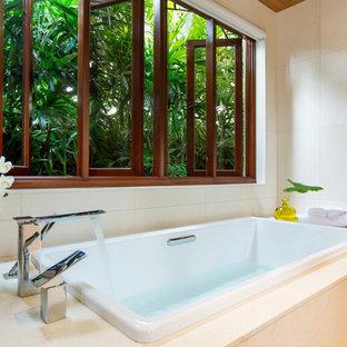 Foto di una stanza da bagno tropicale