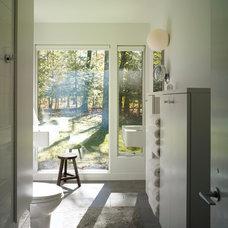 Modern Bathroom by Billinkoff Architecture PLLC