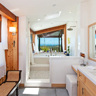 Mountain style bathroom photo in Los Angeles