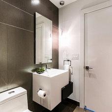 Modern Bathroom by Cardenas+Kriz design studio