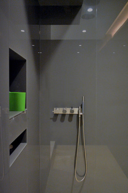 Contemporary Bathroom by West Chin Architects & Interior Designers