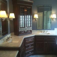 Traditional Bathroom by Dream Concept Design