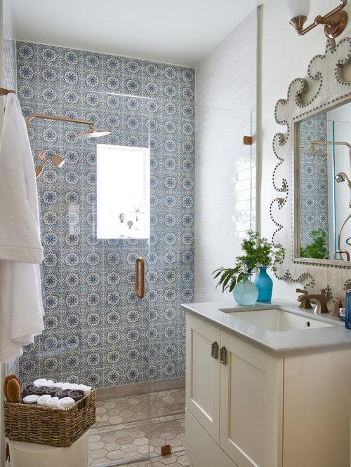 Salle d\'eau romantique avec un carrelage bleu : Photos et idées déco ...
