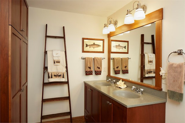 Traditional Bathroom by Nguyen Architects, Inc.