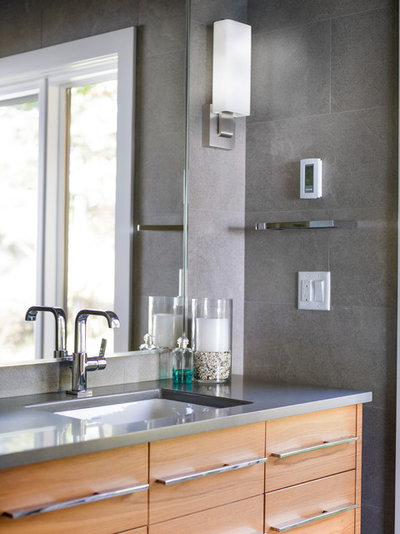 Houzz tour a fresh pacific northwest take on midcentury for Bathroom design consultant