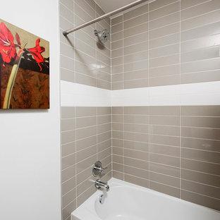 На фото: маленькая ванная комната в стиле лофт с накладной раковиной, столешницей из бетона, отдельно стоящей ванной, белой плиткой, керамической плиткой, белыми стенами и полом из керамической плитки с