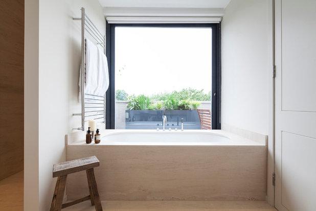 北欧 浴室 by Nathalie Priem Photography