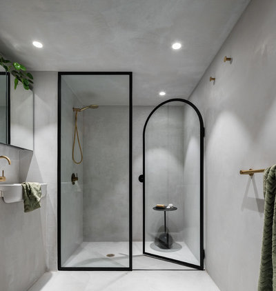 Modern Bathroom by Matt Woods Design