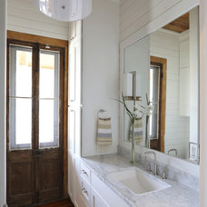 Contemporary Bathroom by Diament Builders