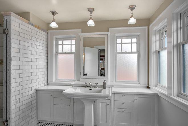 Craftsman Bathroom by Goforth Gill Architects