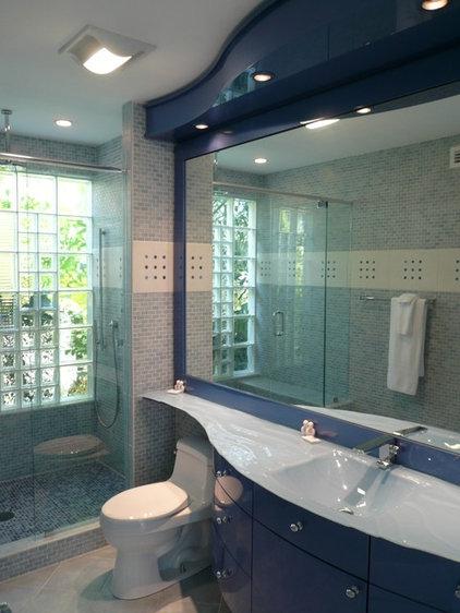 Contemporary Bathroom by B. W. Interiors Chicago