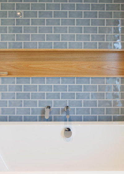 Contemporary Bathroom by MOAA Architects
