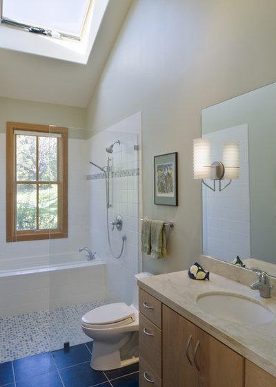Contemporary Bathroom by John Lum Architecture, Inc. AIA