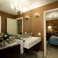 Contemporary Bathroom by Pilar Sierra