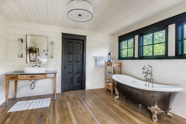 Campagne Salle de Bain by Laughlin Homes & Restoration Inc