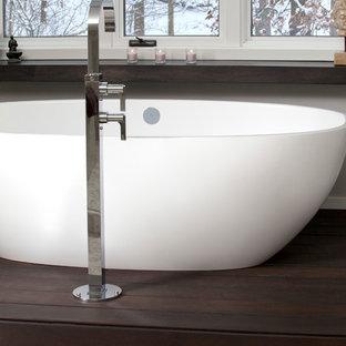 Inspiration for a modern bathroom remodel in Cleveland